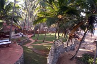 Coconut Bay Beach Resort - Strand und Garten