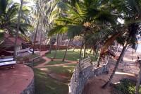 Coconut Bay Beach Resort - Strand und Garten