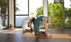 Yoga mit Blick auf den Atlantik