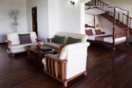 Hiru Beach: großzügige Suite mit herrlichem Blick im 3.Stock