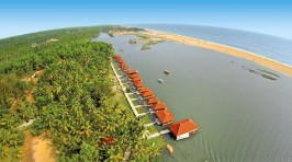 Poovar Island Resort Floating Cottages