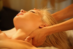 Ayurveda Gardasee Massage - Ayurveda Kur Sri Lanka Indien
