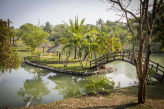 Maho mit tropischem Garten